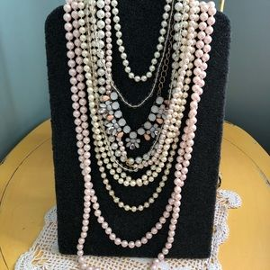Lot of 8 necklaces: